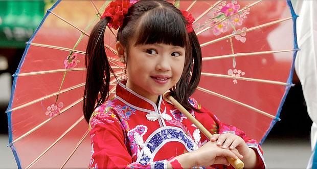 Delighting in God: Praying for the Costume Catalog (Chinese costume little girl)