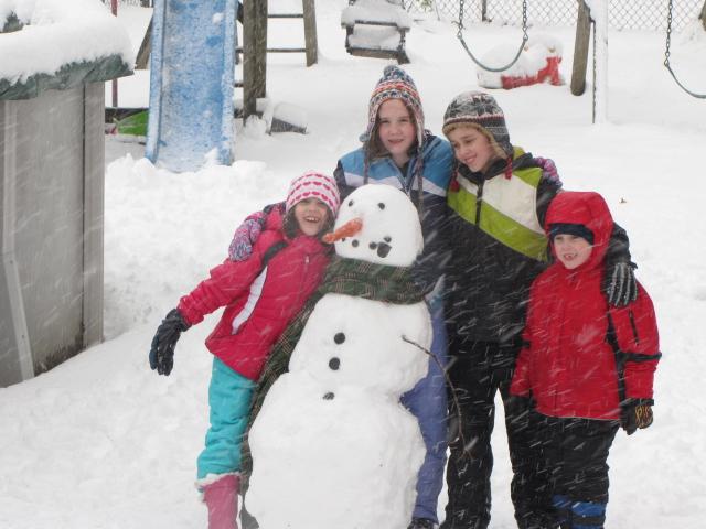 The Barrett Family | In the Snow!