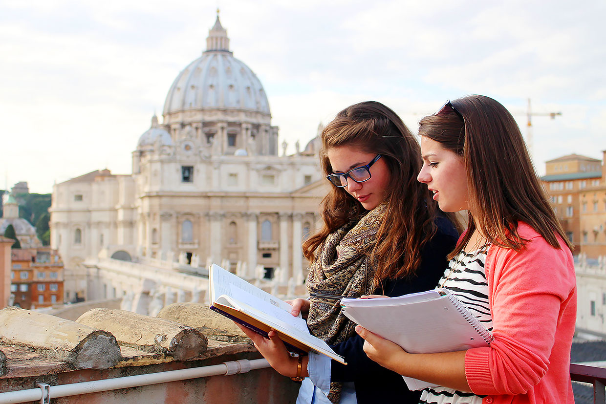 Faithfully Catholic: A Student's Guide to Study Abroad - Sam Phillips